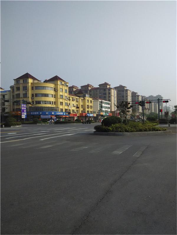 辰龙公寓4/11层120平+8平51万