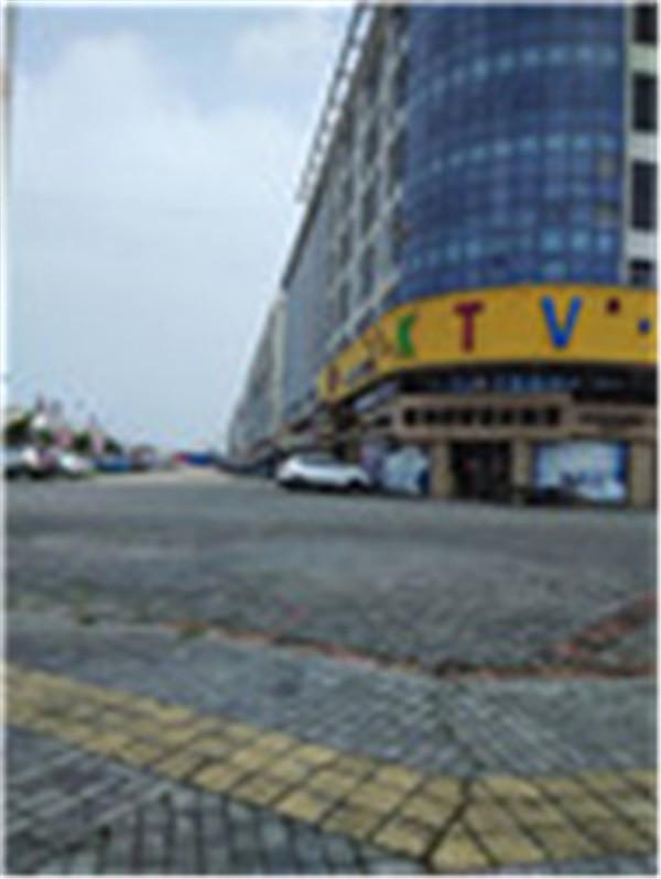 五洲国际公寓5/5层32平电梯12000元/年